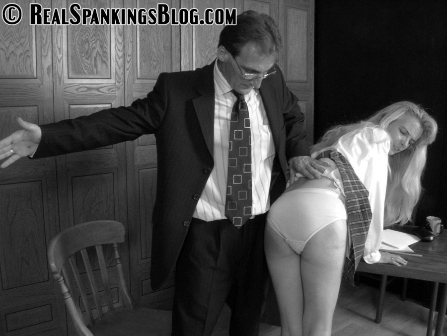Real Spankings EXCLUSIVE spanking video & spanking pics